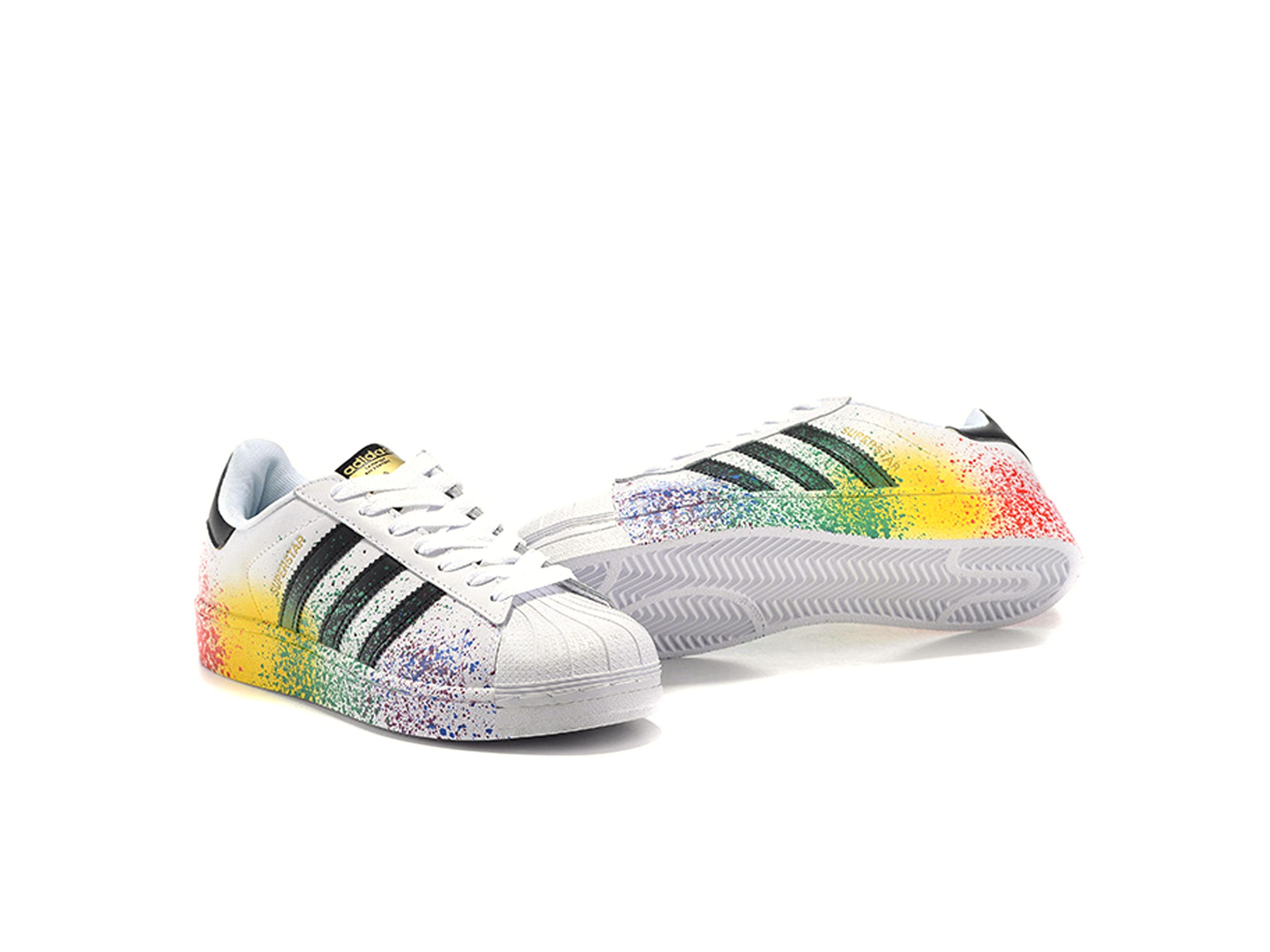reputable site 4148e 0048b adidas superstar pride pack white
